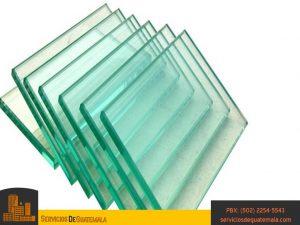 Vidrieria-instalación-de-ventanas-puertas-mesas-espejos-vitrales-aluminios-exhibidores-ventanas-de-vidrio-puertas-de-vidrio-servicios-de-guatemala