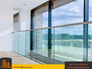 vidrieria-templado-impreso-templado-laminado-serigrafiado-instalación-de-ventanas-puertas-mesas-espejos-vitrales-aluminios-exhibidores-servicio-de-guatemala